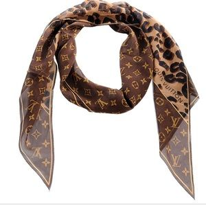 Louis Vuitton Accessories - Louis Vuitton Crepe Silk Leopard Scarf